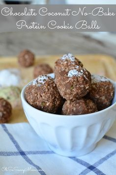 Delicious Chocolate Coconut No-Bake Protein Cookie Balls. Gluten-free and vegan. No sugars added!