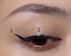 2 steps for winged eyes with liquid eyeliner