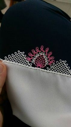 This Pin was discovered by Mel Needle Lace, Needle And Thread, Yarn Crafts, Diy And Crafts, Crochet Edging Patterns, Needlepoint, Tatting, Needlework, Projects To Try