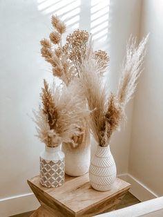 Cheap Home Decor, Diy Home Decor, Rental Home Decor, Home Decoration, Basket Decoration, Decor Crafts, Diy Crafts, Grass Decor, Interior Decorating