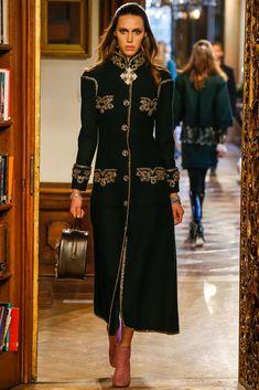Georgia Hilmer   Chanel Pre-Fall 2015 (Photography: Gianni Pucci / Indigitalimages.com via Style.com)