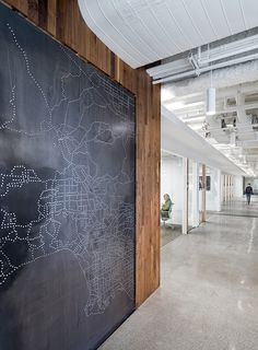 Check out the sleek and clean #design in the Uber #office in San Francisco. It's minimalist, modern, and wooden!