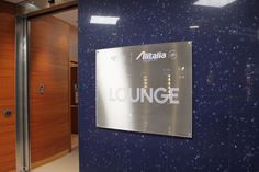Review: Alitalia Giotto Business Lounge Rom - http://youhavebeenupgraded.boardingarea.com/2016/02/review-alitalia-giotto-business-lounge-rom/