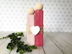 Kids enjoy making valentine crafts and they will have a wonderful time doing this. So enjoy this valentine's day with your beloved by doing these crafts. Diy Crafts Videos, Craft Tutorials, Easy Crafts, Craft Projects, Valentines Day Decorations, Valentine Day Crafts, Homemade Valentines, Diy And Crafts Sewing, Crafts To Sell
