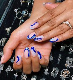 Round Nail Designs, Blue Nail Designs, Acrylic Nail Designs, Art Designs, Rounded Acrylic Nails, Cute Acrylic Nails, Glue On Nails, Stylish Nails, Trendy Nails