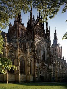 The Sint Jan cathedral in 's-Hertogenbosch. Probably the most beautiful baroque church in the Netherlands, is Made by Belgians in Belgium. Den Bosch is a city in the province of Northern-Brabant, former Belgian province of Brabant Gothic Architecture, Beautiful Architecture, Beautiful Buildings, Beautiful Places, The Places Youll Go, Places To See, Houses Of The Holy, Cathedral Church, Old Churches