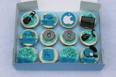 computer theme cupcakes: