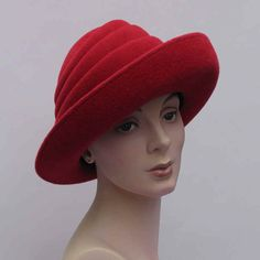 Wayne Wichern red felt hat