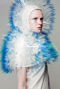 accessoires de mode japonaise : Maiko Takeda, capuche, piquant, bleu