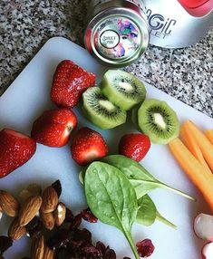 Lepd meg Magad hogy mi is meglephessunk!   . . . . Repost innen :  @sweetyou.hu Natural Skincare Full of Life  #dragako #ekszer #meglepetes #nekemiskell #meglepi #parfüm #arcápolás #natúrkozmetikum #natúrkozmetika #instahun #mik #instahungary Natural Skin Care, Strawberry, Fruit, Instagram, Food, Essen, Strawberry Fruit, Meals, Strawberries