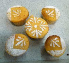 Cup cakes decorados con stencil y azucar glass