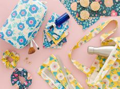 UNE POCHETTE DIY POUR TRANSPORTER SES COUVERTS - Les yeux en amande Pochette Diy, Album Photo, Aide, Scrapbook, Crochet, Baby Patterns, Groomsmen, Crafts, Scrappy Quilts