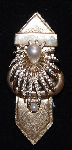 Signed Hattie Carnegie Gold-Tone Brooch with 1 Large and 1 Small Pearl and Rhinestones 1960's