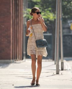 Olivia Palermo: 2 Looks, 2 Key Accessories / STYLEBISTRO
