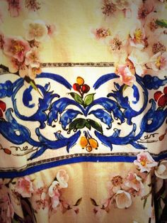 Another detail of a floral dress from #DolceGabbana #SS14 collection inspired by ancient greek temples in Sicily