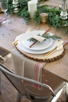 A beautiful farmhouse Christmas tablescape with rustic elements, mixed metals, and natural greenery. Perfect for a hosting a holiday dinner! and Christmas Tablescapes Holiday Tablescapes Decorating for Christmas Dining Room Holi Christmas Dining Table, Christmas Table Centerpieces, Christmas Table Settings, Christmas Tablescapes, Rustic Christmas, Christmas Decorations, Centerpiece Ideas, Holiday Tablescape, Tree Decorations