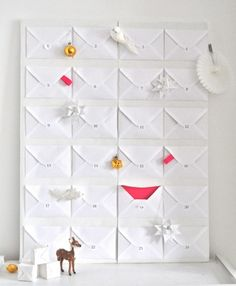 Put little surprises in the envelopes for your children or husband. One for each day before Christmas.