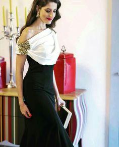 Vestido de Carmen Hornero. Elegantísimo.