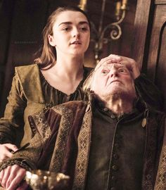 Maisie Williams, Emilia Clarke, Game Of Thrones, Games, Instagram Posts, Fictional Characters, Gaming, Fantasy Characters, Plays