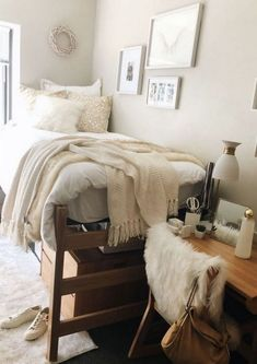 home decor bedroom dorm room designs, cozy Dorm Room Designs, Bedroom Designs, Cute Dorm Rooms, College Dorm Rooms, Dorm Room Closet, College Apartments, College Dorm Decorations, Ucf Dorm, Girl College Dorms