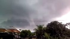 Tagged: Caught On Camera | Crowd Of Believers Force Hurricane to Retreat In The Name Of Jesushttp://ilovebeingchristian.com/crowd-of-believers-force-hurricane-to-retreat-in-the-name-of-jesus/