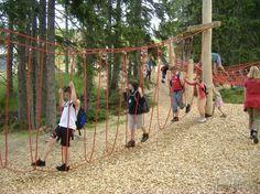 low-ropes-course-slide-at-grafenberg-st-martin-am-tennengebirge.jpg 550×412 pixels