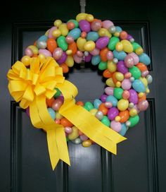 Cute Easter Wreath. Would be so easy and cheap ... | Spring and Easte ...