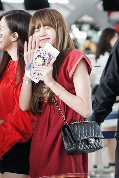 Read Lisa (Blackpink) from the story My photo by _Kang_Ha_Neul_ (Kang Ha Neul) with 20 reads. Kim Jennie, Taekook, Lisa Blackpink Wallpaper, Wallpaper Quotes, Kim Jisoo, Airport Style, Airport Fashion, Suvarnabhumi Airport, Princesses
