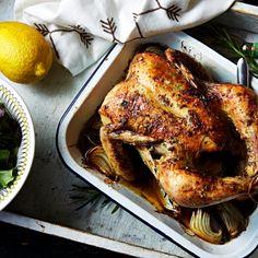 Hel kyckling med rosmarin- och citronsmör | Recept ICA.se Rosemary Chicken, Goodies, Pork, Turkey, Meat, Dining, Cooking, Recipes, Holidays
