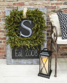Elegant Boxwood Wreath and Chalkboard Placard Front Porch Signs, Front Door Entrance, Front Door Decor, Entrance Ideas, Front Doors, Front Stoop, Porch Entry, Hallway Ideas, Front Entry