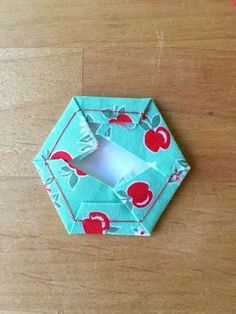 english paper piecing - never really was interested in doing this but this is a great tutorial. I just might try it!