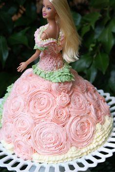 Buttercream roses doll cake http://4.bp.blogspot.com/-JSH7uEauPMQ/TlvGT0XvmfI/AAAAAAAAK-U/7e5p5zm1nj8/s1600/Doll%252BCake%252B047-1.JPG