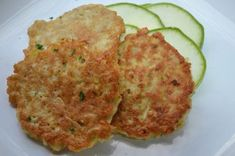 Zucchinilaibchen Zucchini Puffer, Patties Recipe, Kitchen Stories, New Recipes, Cauliflower, Food And Drink, Dinner, Cooking, Ethnic Recipes
