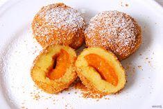 Nyammm: Klasszikus Kedd - Alap gombóc tészta - Sárgabarackos gombóc I Want To Eat, Dumpling, Naan, Sweet Recipes, Yummy Recipes, Doughnut, Food And Drink, Peach, Yummy Food