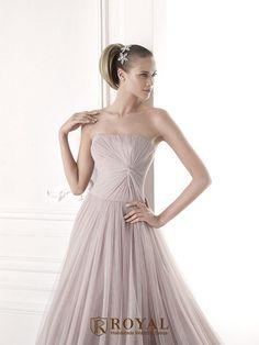 板橋蘿亞手工婚紗 Royal handmade wedding dress 婚紗攝影 購買婚紗 單租婚紗 西班牙 Pronovias MALAIKA
