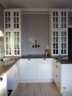 История одной квартирки. Кухня с дырками.