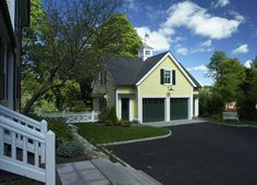 Another perfect carriage house by Dewing & Schmid