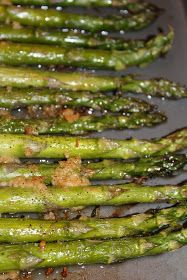 The Harris Sisters: Garlic Roasted Asparagus Baked Asparagus, Asparagus Recipe, I Love Food, Good Food, Yummy Food, Delicious Dishes, Tasty, Baking Recipes, Healthy Recipes