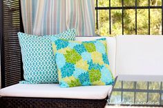 Sewing outdoor cushions is easy if you have the right materials, such as outdoor fabric and thread. Learn how to sew outdoor pillows with an envelope closure. Outside Cushions, Patio Cushions, Palette Furniture, Lawn Furniture, Outdoor Crafts, Outdoor Projects, Outdoor Ideas, Backyard Ideas, Outdoor Decor