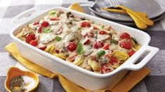 Veggie-Tortellini Casserole This creamy pasta casserole is packed with kitchen staple veggies like carrots, zucchini and peppers. Pasta Casserole, Casserole Recipes, Pasta Recipes, Dinner Recipes, Cooking Recipes, Veggie Casserole, Dinner Ideas, Tortellini Recipes, Brunch Casserole