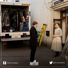 www.twitter.com/downtonabbey, www.facebook.com/downtonabbey