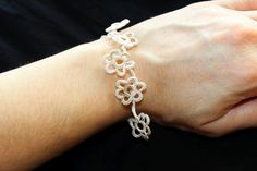 Beautiful tatted bracelet hand made by me. Pattern by beautylace