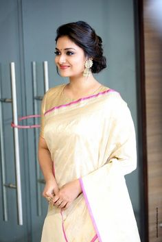 Keerthy Suresh at Pandem Kodi 2 Trailer Launch - South Indian Actress Beautiful Girl Indian, Most Beautiful Indian Actress, Beautiful Girl Image, Beautiful Saree, Beautiful Actresses, Beauty Full Girl, Beauty Women, Saree Hairstyles, Indian Beauty Saree