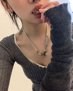 Aesthetic Girl, Aesthetic Clothes, Pretty Outfits, Cute Outfits, Ulzzang, Mode Streetwear, Swagg, Pretty People, Style Me
