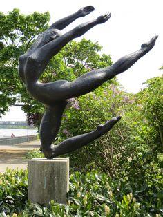 "The sculpture ""Feuervogel"" (Firebird) by Karl-Heinz Krause (1970) is part of the ""Rheinufergalerie"" (art by the riverside) which consists of nine scultures. ©Landeshauptstadt Mainz"
