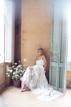 Lost In Love Photography - Mont Du Soleil. Silvana Tedesco. Janice Wu makeup & hair. Tuscan bridal editorial photo shoot