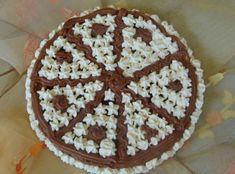 Nepečená čokoládová torta s piškótami.