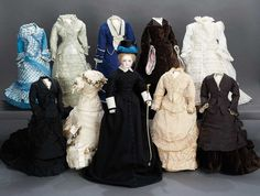 wow, another doll with nothing to wear!!! ha