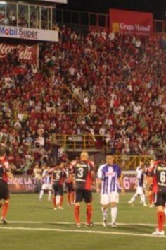 La Liga elimina a Saprissa del Torneo 2012, llenazo en el Morera Soto.