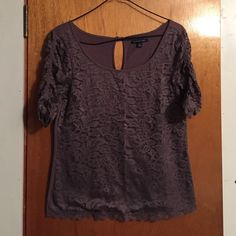AEO Lace 1/2 Sleeve Top NWOT Lace AEO top with a key hole back and cinched sleeves American Eagle Outfitters Tops Tees - Long Sleeve